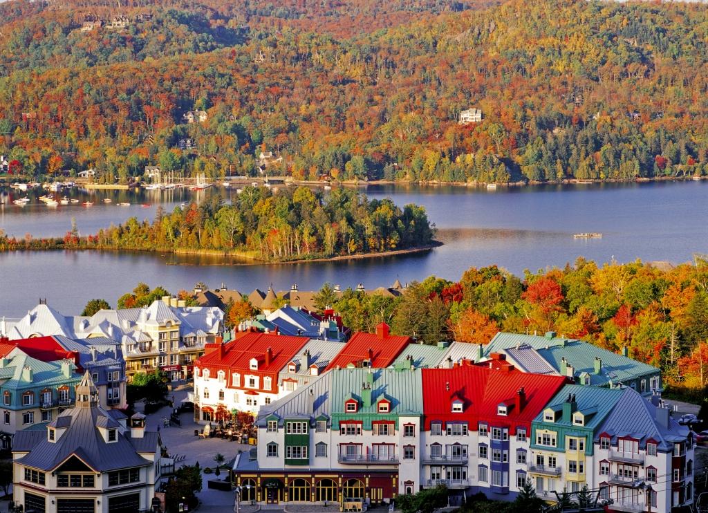紅葉のカナダ トレンブランビレッジ