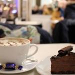 【フィンランド】@rikamera_world #20151230 現地 #20151229 #ヘルシンキ観光 #fazer #cafe #発見 ! #ホットチョコレート #チョコレートケーキ #hotchocolate #chocolatecake