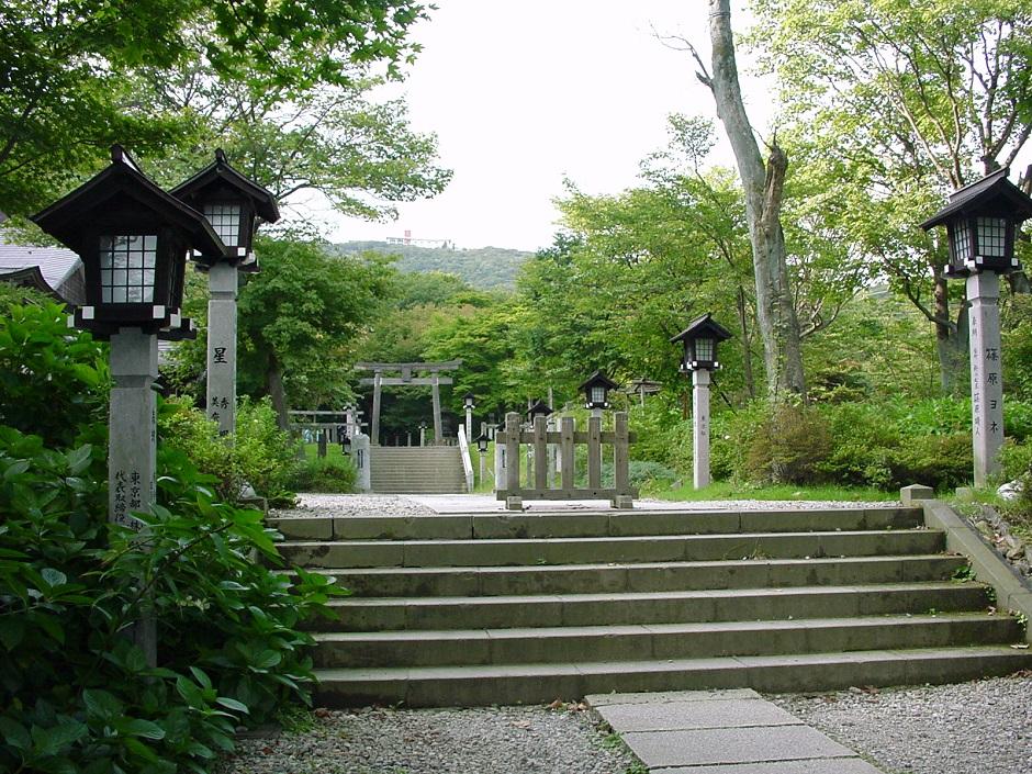 06温泉神社参道