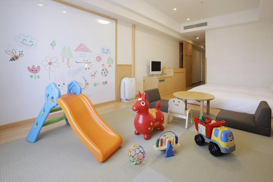 キッズルームのおもちゃ達(ホテル エミオン 東京ベイ)
