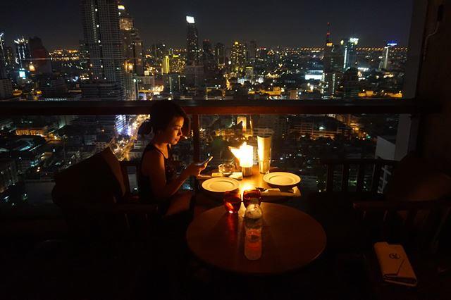 タイで週末女子旅・バンコク Pullman Bangkok Hotel G 屋上バー