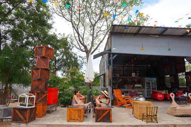 タイで週末女子旅・ラン島のカフェ「BAANMANOW」