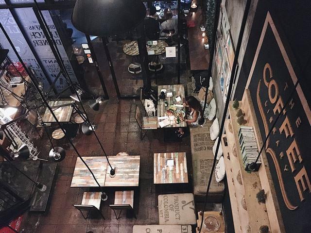バリ島のフォトスポット【4】The Coffee Library
