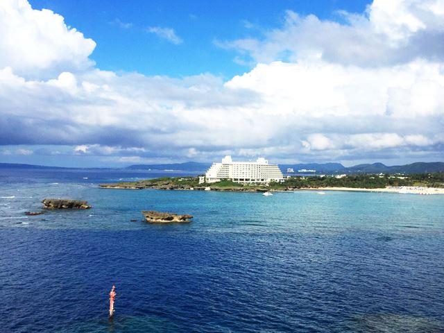 沖縄「万座毛」から見る「ANAインターコンチネンタル万座ビーチリゾート」