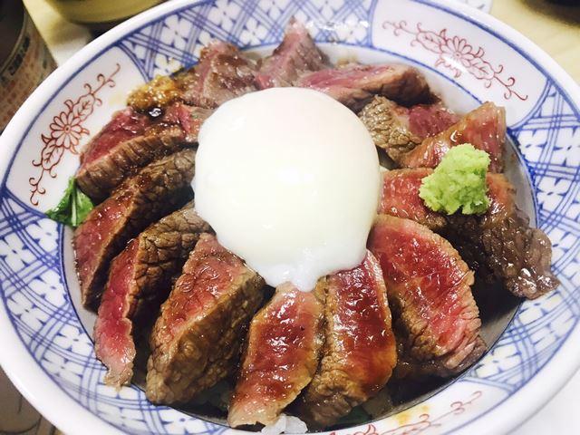 熊本県 いまきん食堂の「あか牛丼」