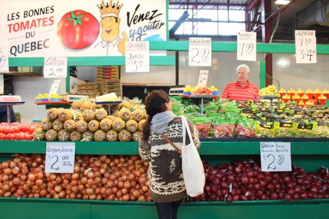 カナダ モントリオール Jean-Talon Market