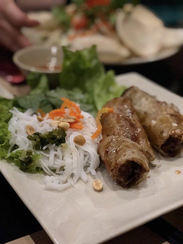 ベトナム・ホーチミン レストラン「ニャ・ハン・ゴン」