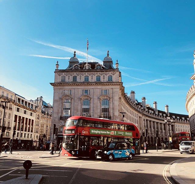 イギリス ロンドン 2階建てバス