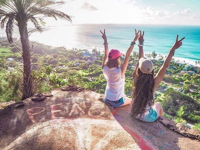 ハワイ EHUKAI PILLBOX HIKE