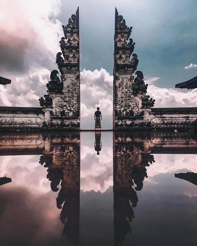 バリ島 ランプヤン寺院